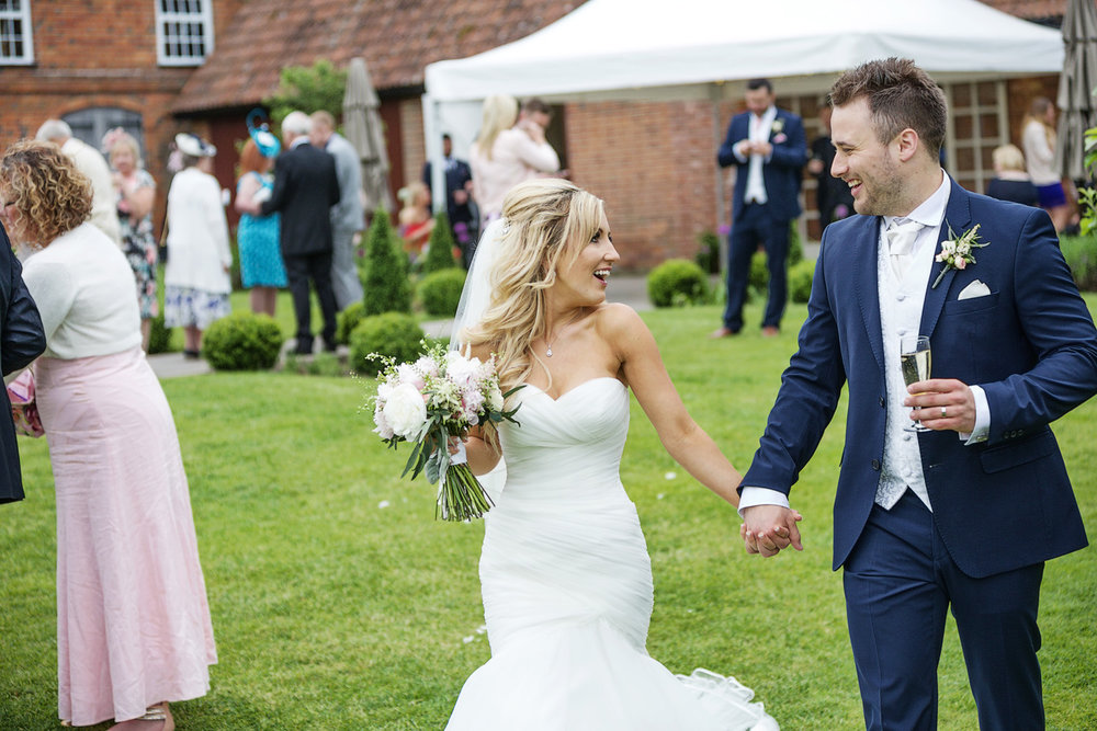 Ufton_Court_Barn_Wedding_Photographer_Reading_Berkshire_120.jpg