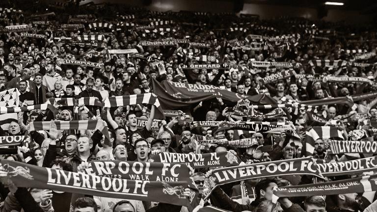 liverpool-fans-anfield_3461265.jpg