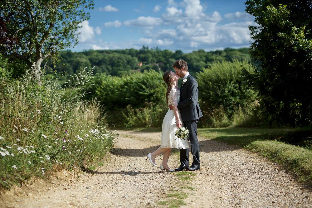 Adam_Hillier_Wedding_Photographer_Newbury_Berkshire_6 (8).jpg