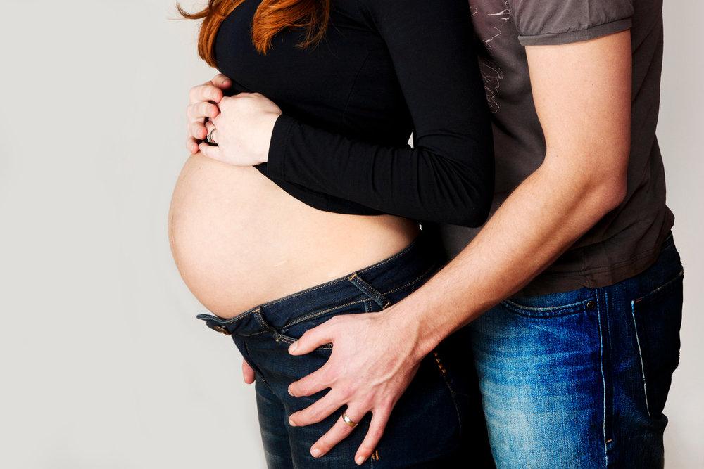 Maternity_Portrait_Photographer_Newbury_Berkshire_009.jpg
