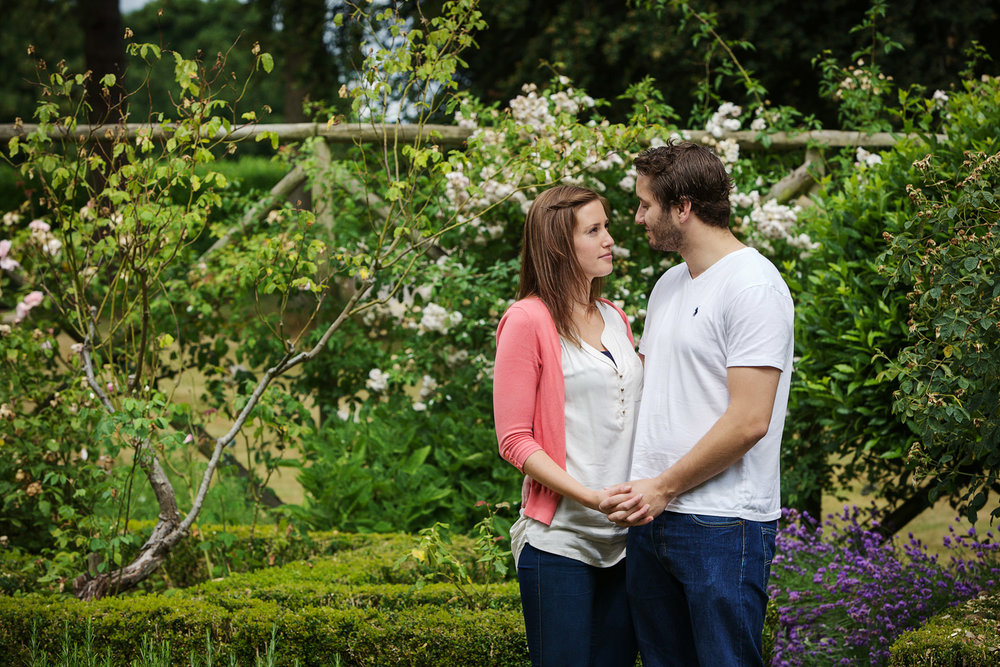 Couple_Adult_Portrait_Photographer_Newbury_Berkshire_016.jpg