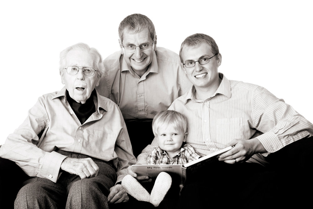 Family_Generations_Portrait_Photographer_Newbury_Berkshire_001.jpg