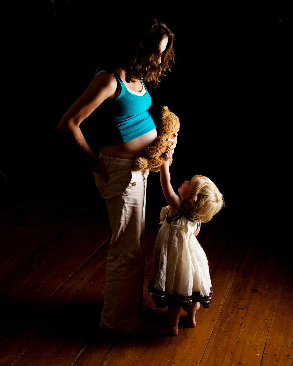 Maternity_Portrait_Photographer_Newbury_Berkshire_023.jpg