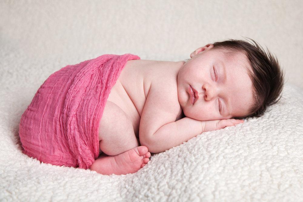 Newborn_Baby_Portrait_Photographer_Newbury_Berkshire_001.jpg