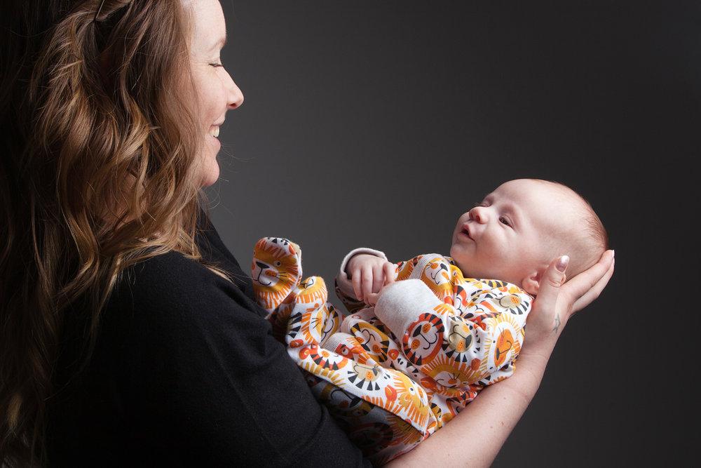 Newborn_Baby_Portrait_Photographer_Newbury_Berkshire_014.jpg