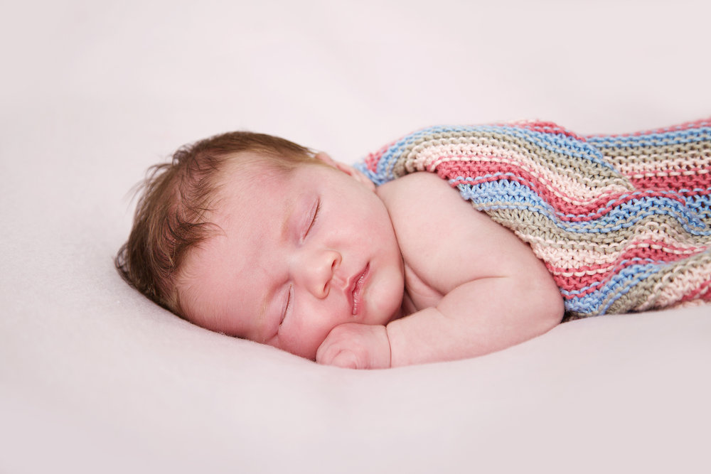 Newborn_Baby_Portrait_Photographer_Newbury_Berkshire_025.jpg