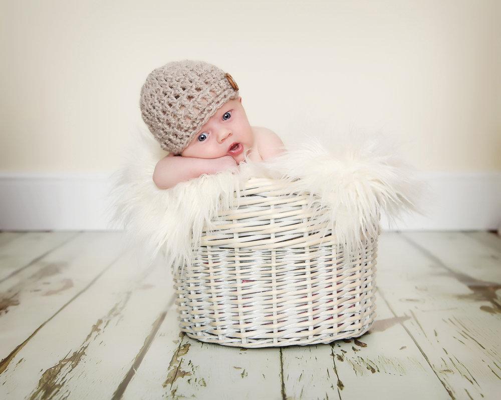 Newborn_Baby_Portrait_Photographer_Newbury_Berkshire_028.jpg