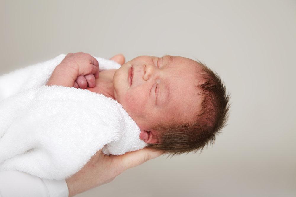 Newborn_Baby_Portrait_Photographer_Newbury_Berkshire_038.jpg