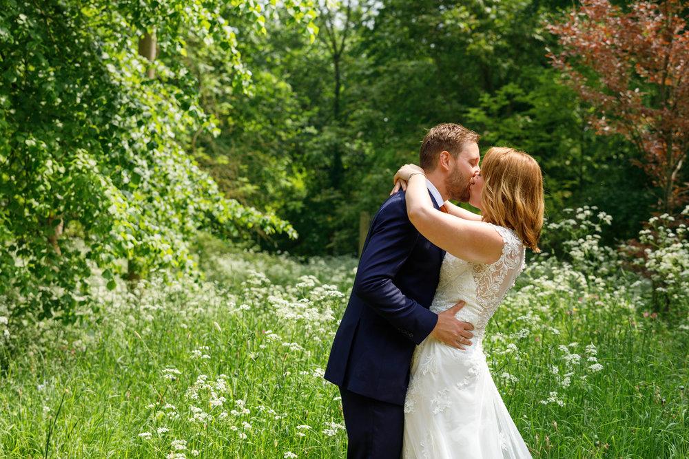 Combe_Manor_Wedding_Photographer_Hungerford_051.jpg