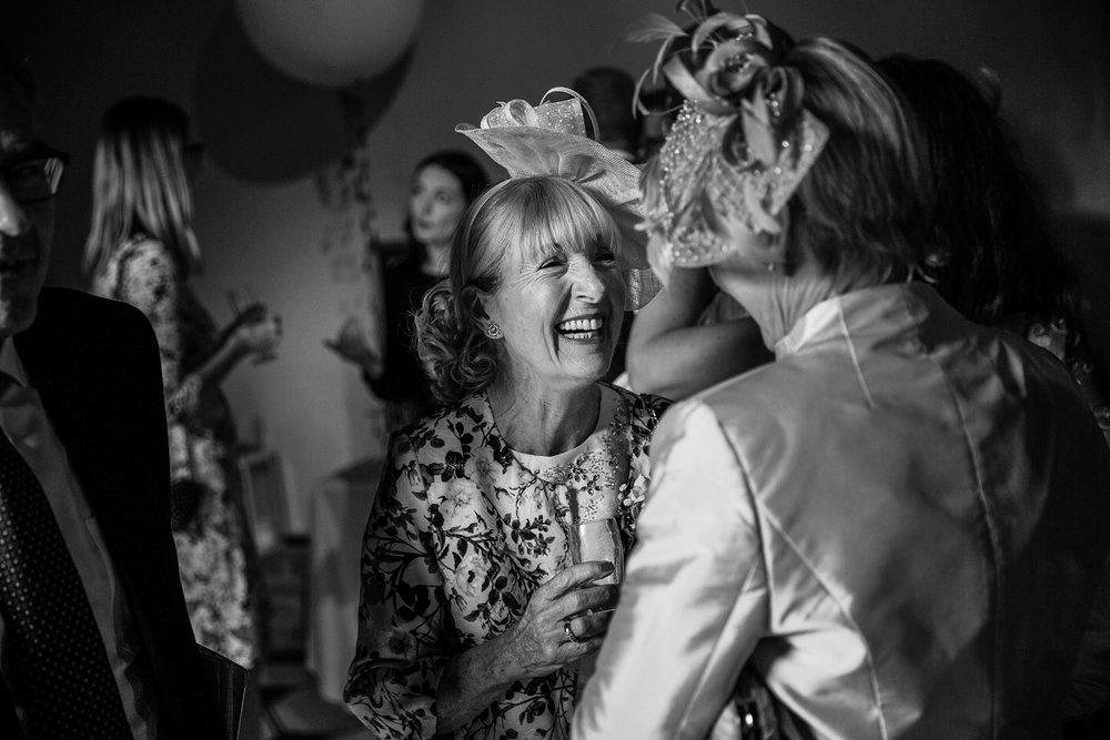 Combe_Manor_Wedding_Photographer_Hungerford_055.jpg