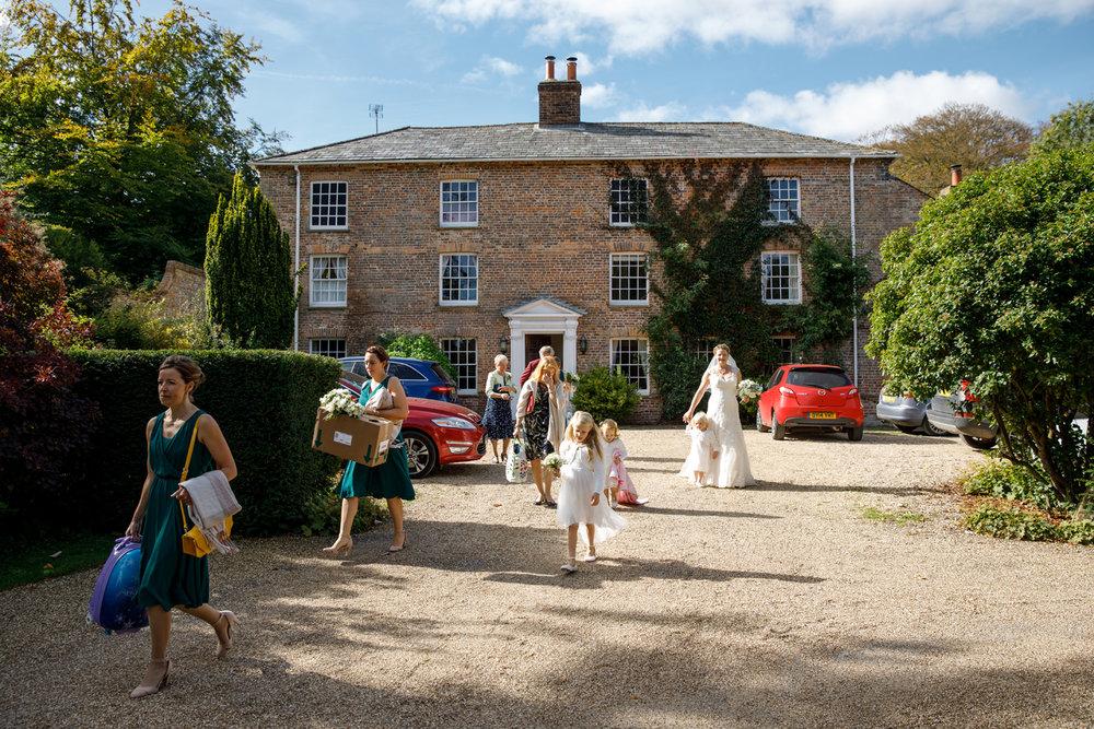 Combe_Manor_Wedding_Photographer_Hungerford_077.jpg