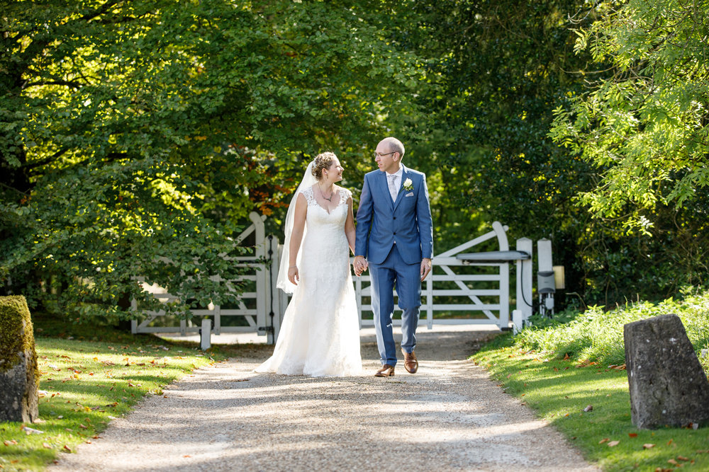 Combe_Manor_Wedding_Photographer_Hungerford_082.jpg