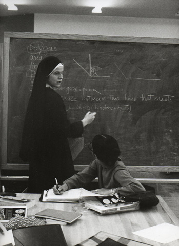 Sister Elizabeth McLoughlin teaching a course at HP