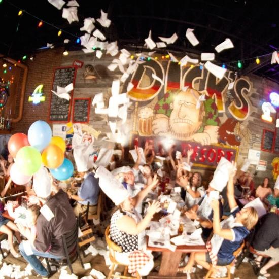 Dicks Last Resort Nashville.jpg