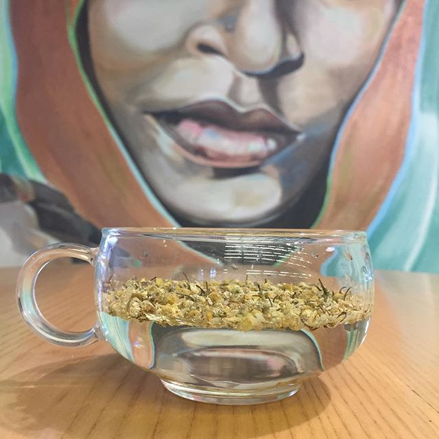 Recover from the weekend with a pot of Chamomile! Sweet and floral in flavour with all the added health benefits 🌞