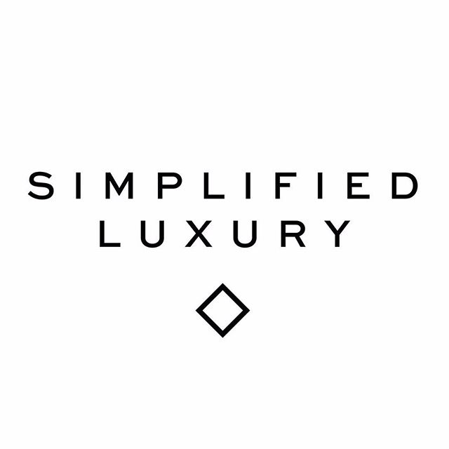To be super simple and super luxe at the same time is always the goal. ✌🏼💎 . Products that work effortlessly and make you and your clients life exceptional ✔️ . Lash extensions that require a high end appointment, but result in more every day simplicity ✔️ . Beauty that is super fresh, clean and simple, but absolutely stunning ✔️✔️✔️✔️✔️✔️✔️✔️✔️ #jbrandbeauty #thephilosophy #simplifiedluxury