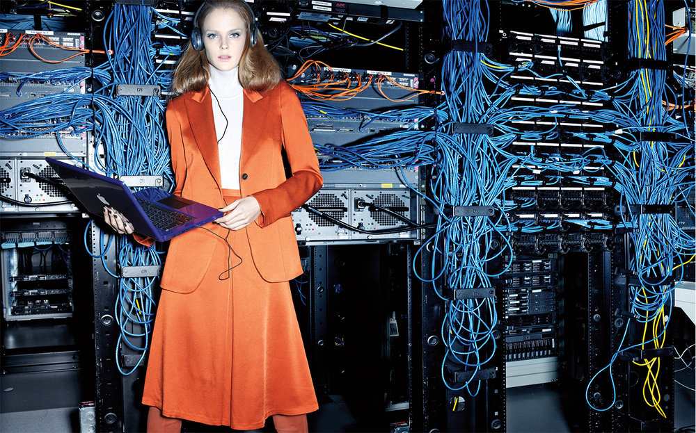 Vogue LET'S GET DIGITAL   DESIGN DIRECTOR Charles Churchward FASHION EDITOR Elissa Santisi