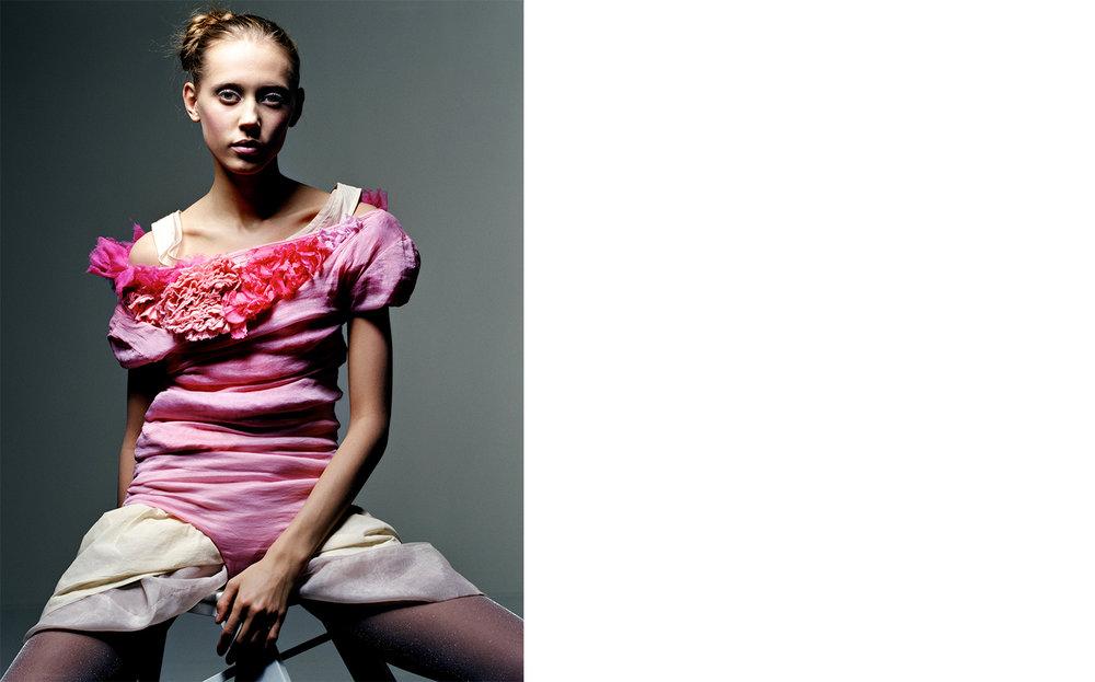 British Vogue WHO'S WHO IN THE BRITISH ART WORLD   FASHION EDITOR Tiina Laakkonen CREATIVE DIRECTOR Robin Derrick