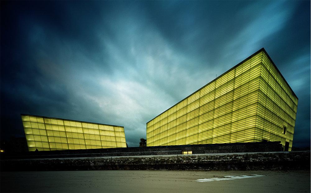 Condé Nast Traveler 2001: A DESIGN ODDYSEY   PHOTOGRAPHY DIRECTOR Kathleen Klech PICTURE EDITOR Esin Göknar