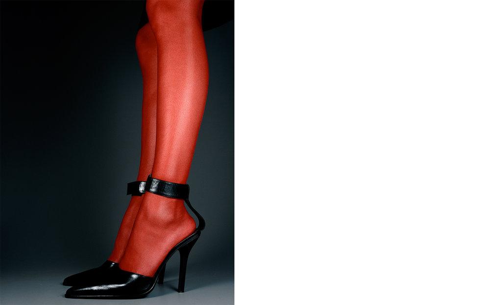Harper's Bazaar   LE ROUGE ET LE NOIR   FASHION EDITOR Elissa Santisi CREATIVE DIRECTOR Fabien Baron