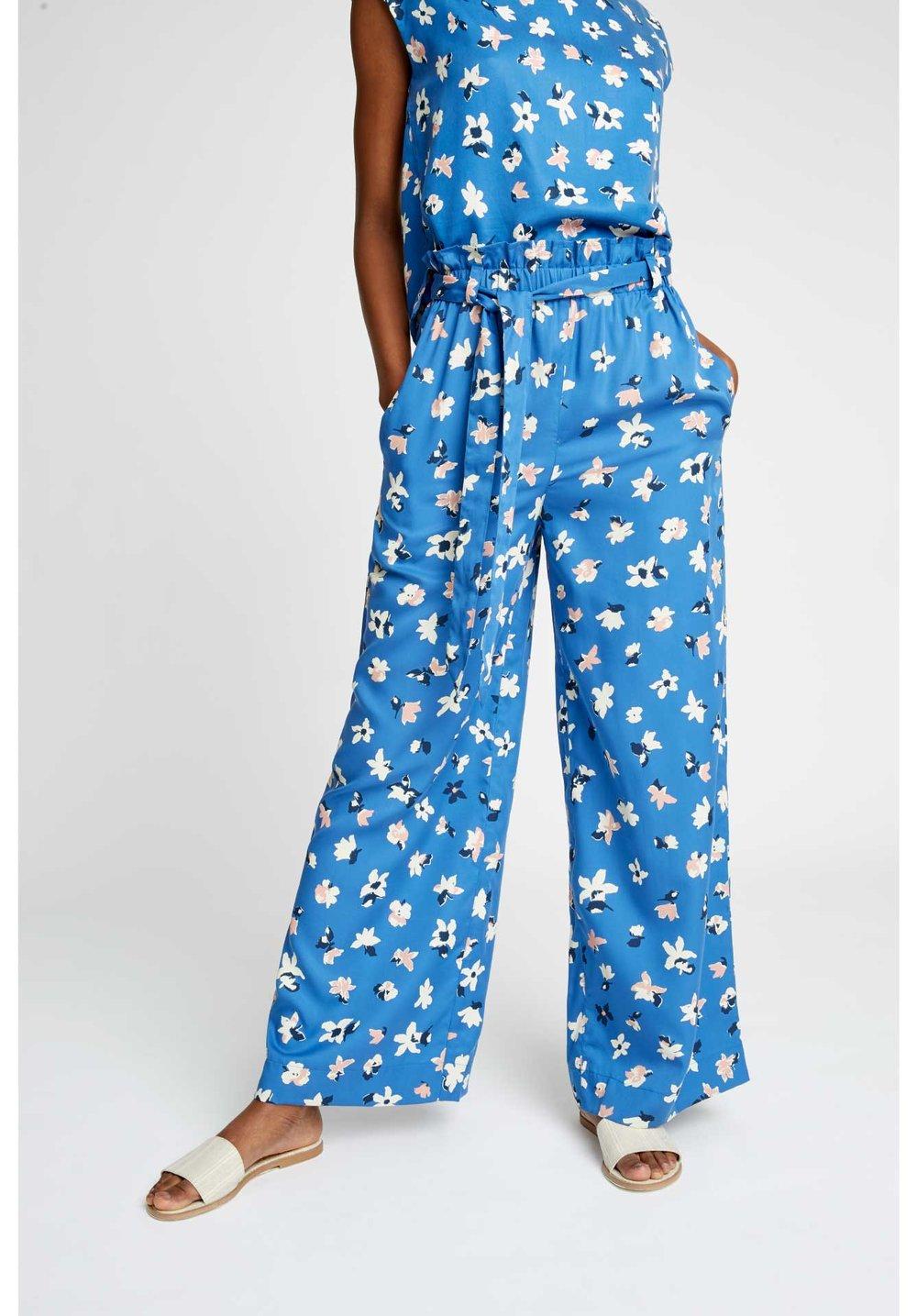 susie-floral-trousers-deb2c4d73940.jpg