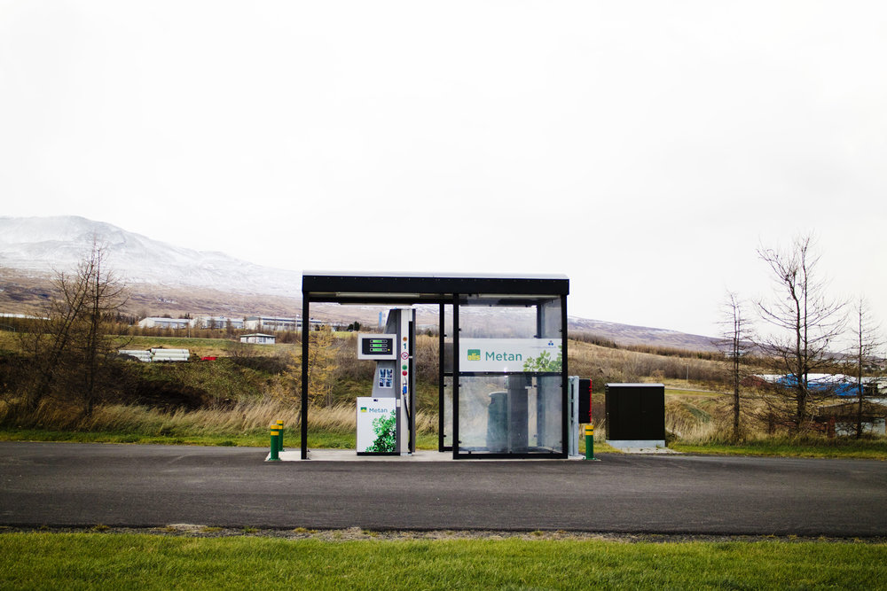 Metan afgreiðsla við Miðhúsabraut á Akureyri. Áfyllingin tekur svipaðan tíma og áfylling á bensíni.
