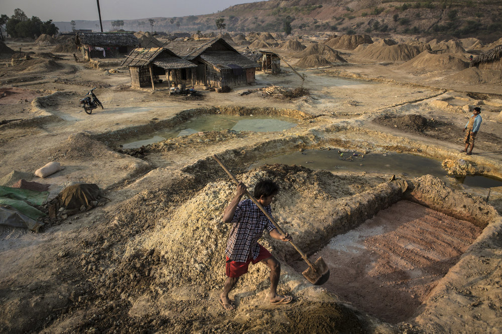 MATHIEU_WILLCOCKS_Letpadaung_Copper_Mine_0005.jpg