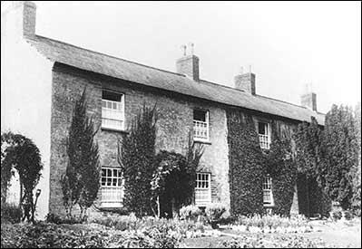 Rosebank cottages. Image taken from Rushden Heritage.