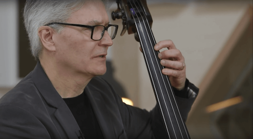 Free lessons to learn scales & arpeggios on the double bass.