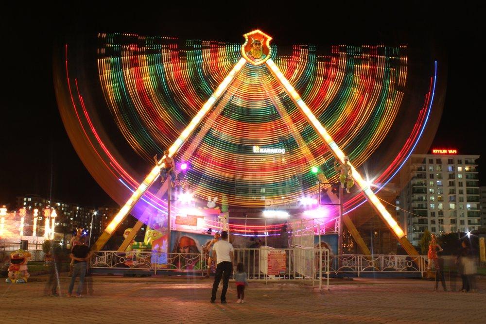 Long-exposure_fun_fair,_Diyarbakir.jpg