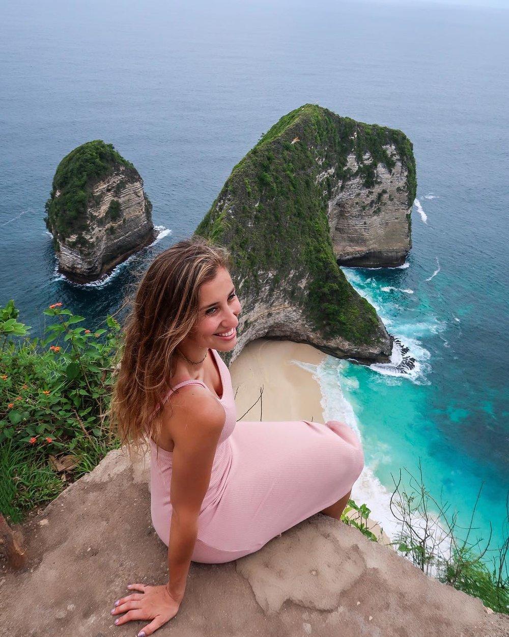 Kelingking Beach Nusa Penida Bali - Elise Darma