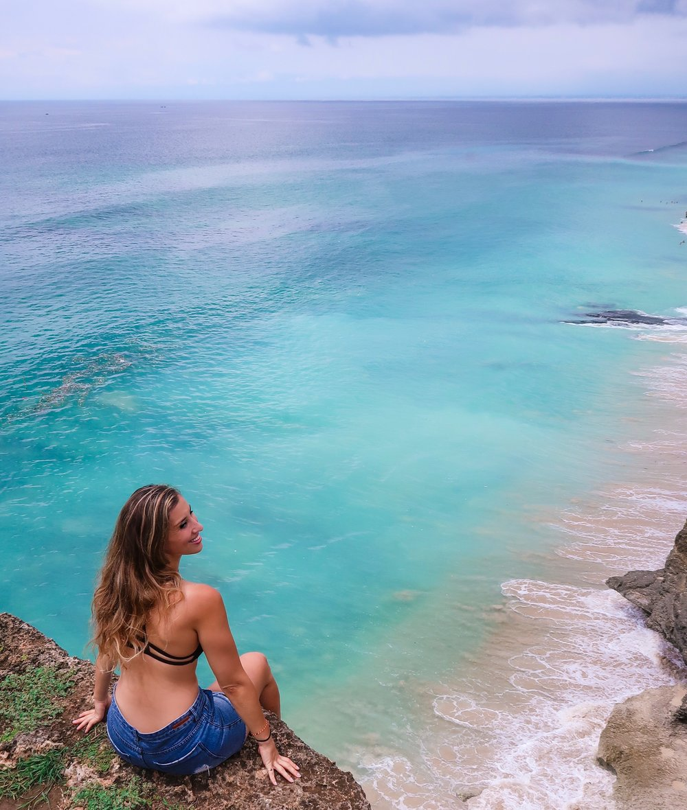 Dreamland Beach Uluwatu Bali - Elise Darma