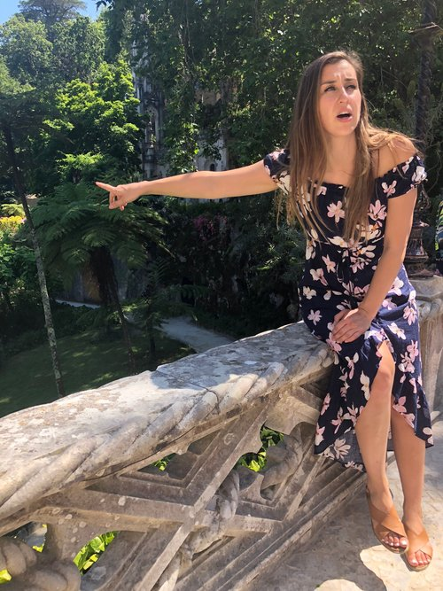 ELISE DARMA 0UTSIDE IN FLORAL DRESS