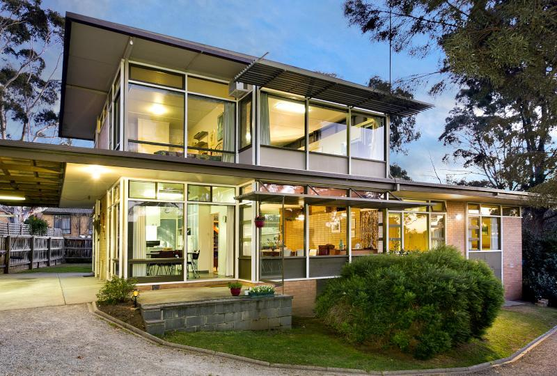 Ranch/Mid-Century Modern