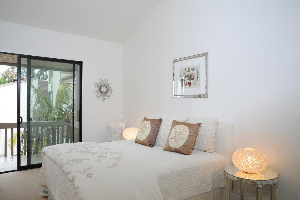 bedroom+1-2477019746-O.jpg