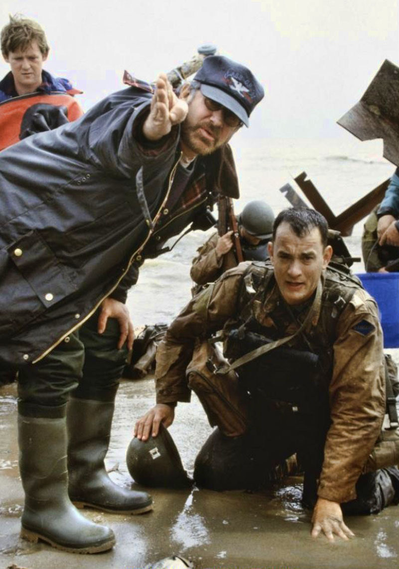 """fuckyeahbehindthescenes :     Spielberg did not storyboard the D-Day sequence, as he wanted spontaneous reactions and for """"the action to inspire me as to where to put the camera"""". ( x )    Saving Private Ryan (1998)"""