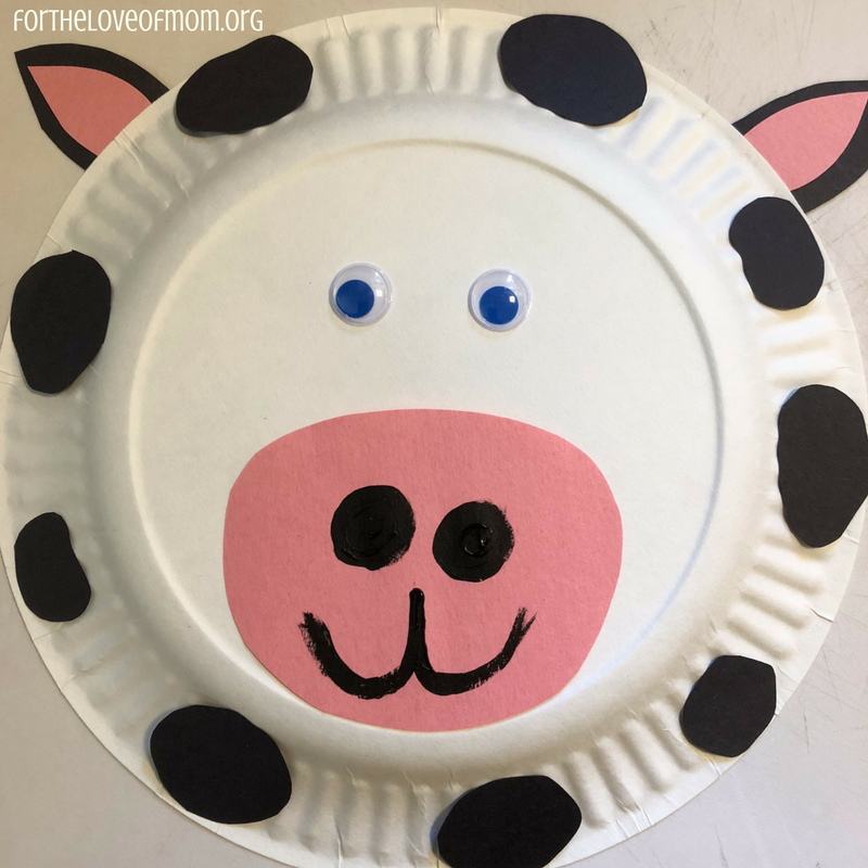Paper Plate Cow- Farm Animal Activities for Toddlers - www.fortheloveofmom.org
