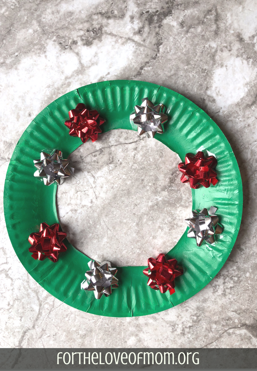 Paper Plate Christmas Wreath _ #christmascrafts _ #kidscrafts _ #holidaycrafts _ . & 4 Super Easy Christmas Crafts To Do With Your Kids \u2014 For the Love of Mom