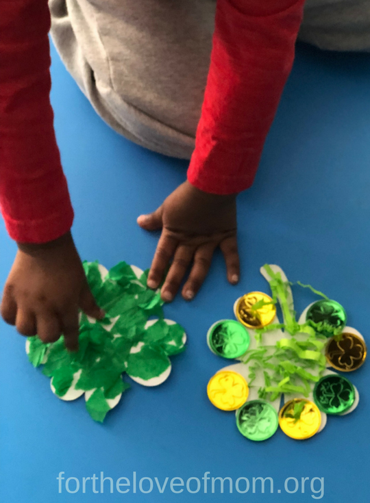 Sticky Shamrock Activity| Sticky Shamrock Activities for Toddlers & Preschoolers | St. Patrick's Day Shamrock Craft | St. Patrick's Day Shamrock | #toddlercrafts | #preschoolers | #stpatricksdaycraft | www.fortheloveofmom.org