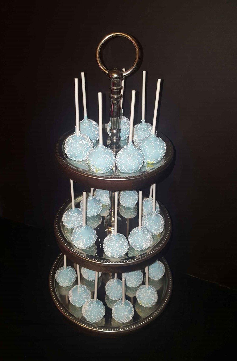 LB-cakepops.jpeg