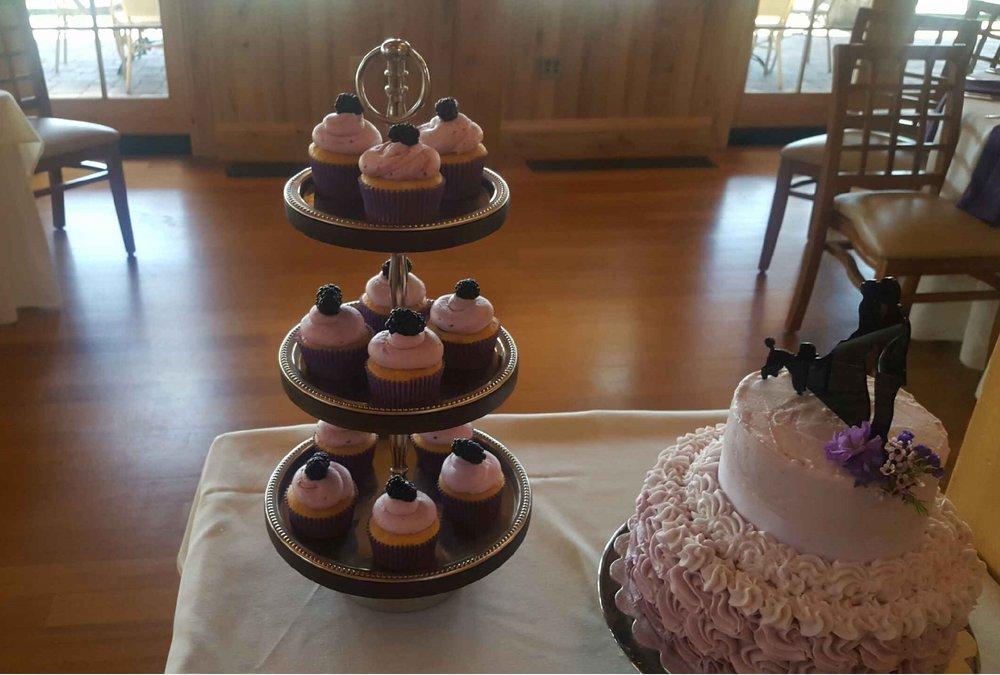 CupcakesSilouetteCake.jpg