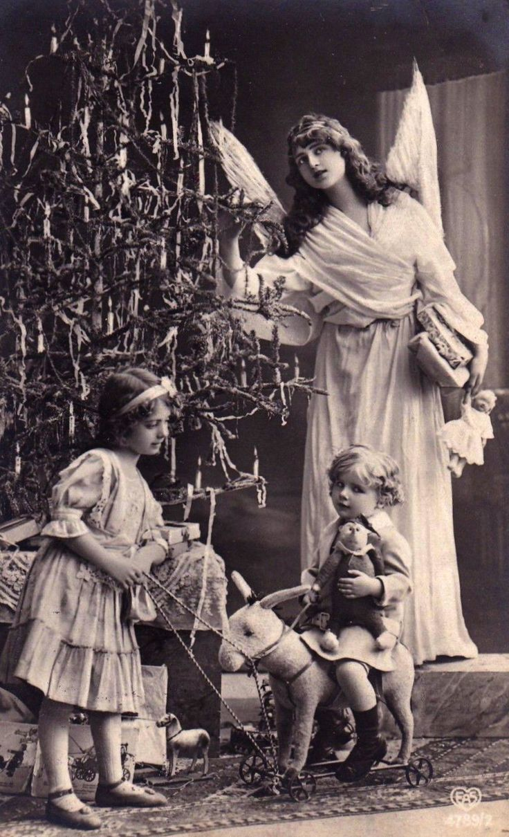 a2f61934cbc8c7633a10653a06e507e2--christmas-past-christmas-angels.jpg