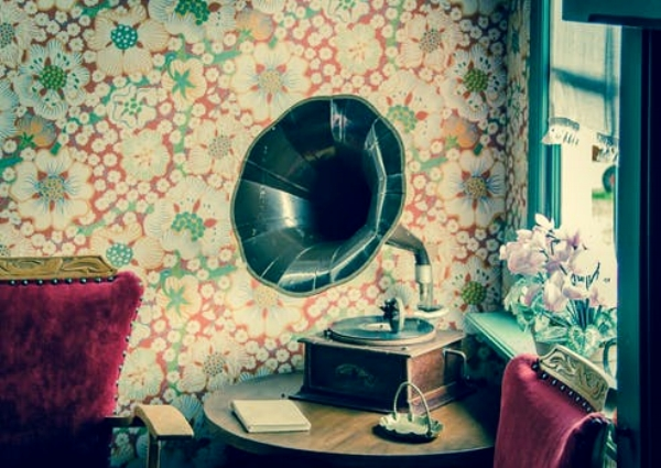vinyl-record-player-retro-594388 copia.jpg