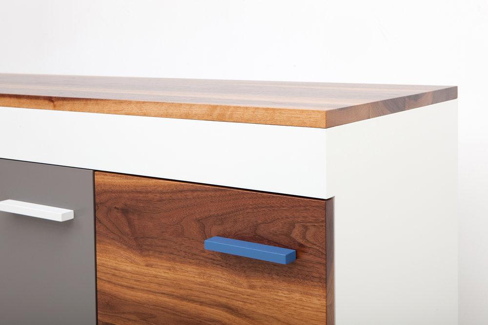 cache-cabinet-02-zoemowat.jpg