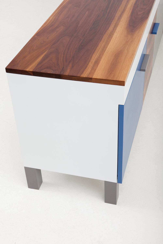 cache-cabinet-03-zoemowat.jpg