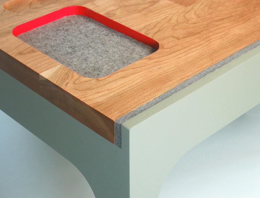 contain desk 2.jpg