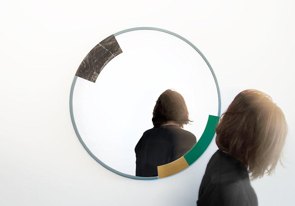 ora-mirror-06-zoemowat.jpg