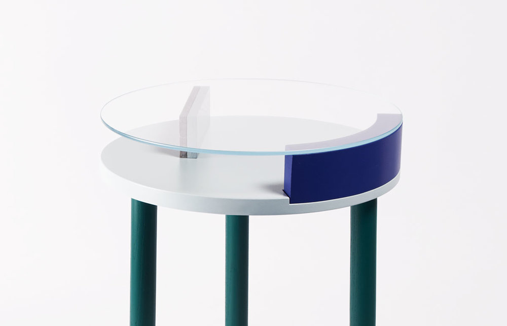 ora-table-02-zoemowat.jpg