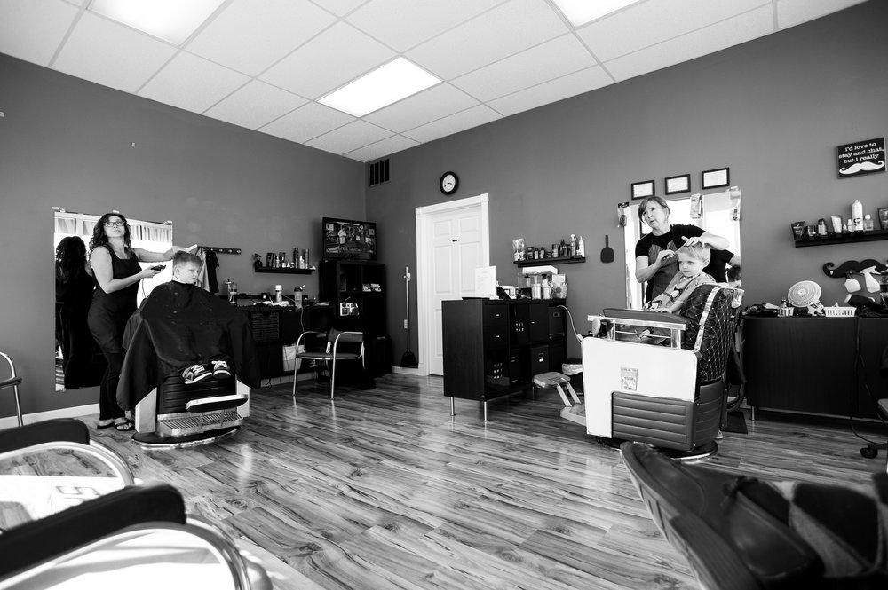 Chris' Barber Shop, Morton, IL