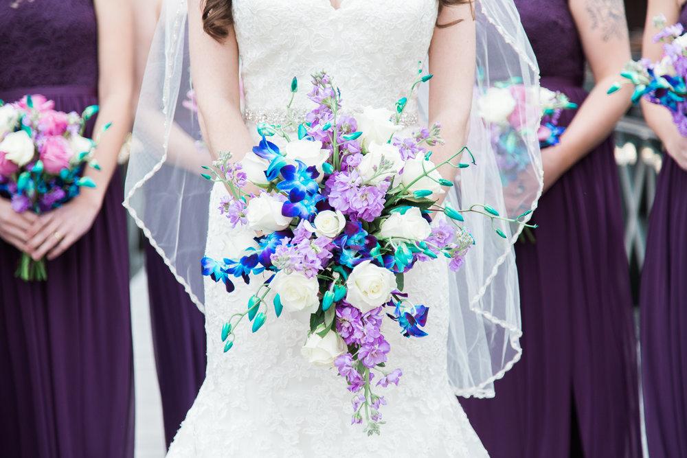 bridal-bouquet-columbus-photographer-roxanna-sue-photos-1.jpg